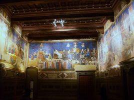 512px-Sala_amb_frescos_d'Ambrogio_Lorenzetti,_Palazzo_Pubblico_de_Siena